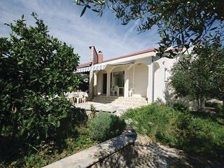 1 bedroom Villa in Slatine, Splitsko-Dalmatinska Zupanija, Croatia : ref 5563465