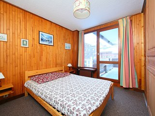 2 bedroom Apartment in Les Boisses, Auvergne-Rhone-Alpes, France : ref 5552339