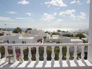 LA LUJANCITA, casa amplia con jardin y zona barbacoa,y magnificas vistas.