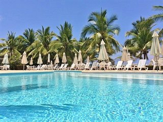 1BR. Oceanfront Condo ** The Monarca ** Private and Peaceful