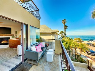 DEC SPECIALS! Modern & Luxurious Condo on the Beach, Steps to Sand!