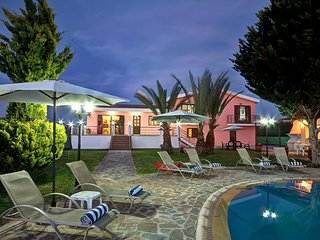 Villa Bellapais  In Latchi consists of five big en-suit bedroom & Large Pool