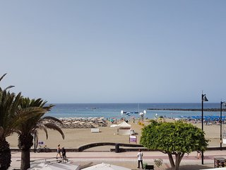Cosy flat in Tenerife w/ sea views