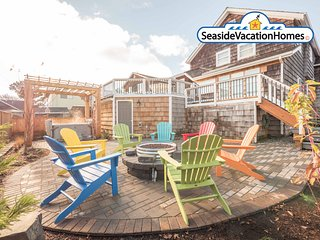 941 Columbia - THE BEACH BALL HOUSE: HOT TUB + PET FRIENDLY - 650 ft To Beach