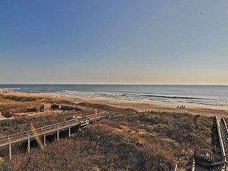 3 BR, 2 BA Oceanfront Condo - Best Views on the Island, Great Location, Pets