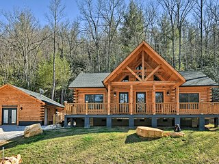 Linville Cabin w/Deck & Game Room - 7 Mi. to Falls