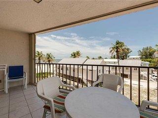 Pelican Watch 208, 2 Bedrooms, Beach Front, Pool, Elevator, WiFi, Sleeps 4 - Con
