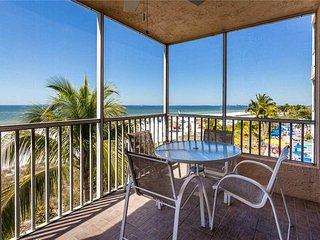 Estero Island Beach Villas 304,  2 Bedrooms, Gulf Front, Heated Pool - Condomini