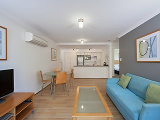 Shoal Bay Beach Apartments, Unit 12/2 Shoal Bay Road