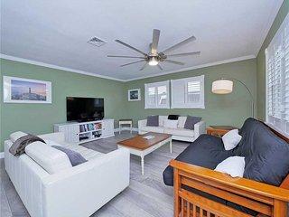 Summertime Sanctuary, 3 Bedroom, Private Pool, Pet Friendly, WiFi, Sleeps 8 - Ho