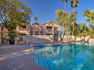 Mesa Condo w/Heated Community Pool & Spa Near Golf