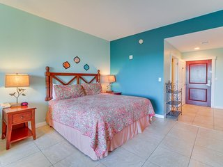 Origin Studio getaway with a shared hot tub and pool, beach across the street!