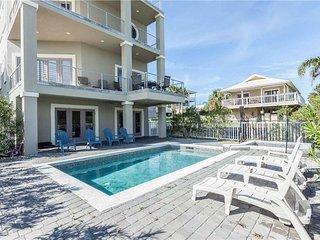 Augustine Sunset, 4 Bedrooms, Ocean View, Private Pool, Sleeps 12 - House