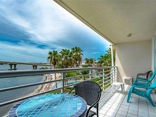 Bahia Vista 9-518, 2 Bedroom, Penthouse, Heated Pool, Spa, Sleeps 6 - Condo/Town