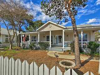 NEW! 3BR Destin Cottage 1.5 Blocks from Beach!