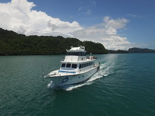 Sea Splash Sunset Cruise Langkawi Holidays