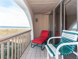 Hibiscus 301-A, 2 Bedrooms, Ocean Front, 3 Pools, Pet Friendly, Sleeps 6 - Condo