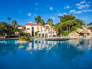 Newly Refurbished Sheraton Resort, Seven Pools, near Disney, Universal, Sea Worl