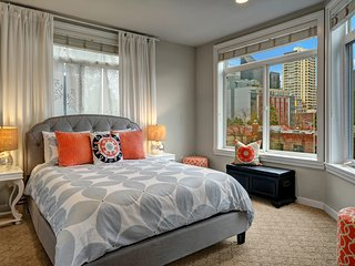 Belltown Court Corner View Suite