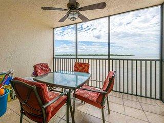 Carlos Pointe 333, 2 Bedrooms, Gulf Front, Elevator, Heated Pool, Sleeps 6 - Con