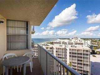 Estero Beach & Tennis 1201A, 1 Bedroom, Elevator, Heated Pool, Sleeps 4 - Condom