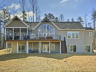 Lake Anna Waterfront Home w/2 Acres & Covered Dock