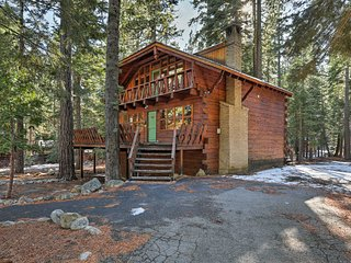 NEW! 3BR Tahoe Chalet - Mins to Sunnyside & Beach!