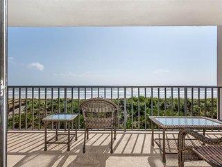 Windjammer 207, 2 Bedrooms, Ocean Front, Pool, Elevator, Sleeps 6 - Condominium