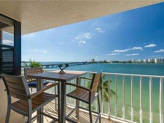 Lovers Key Beach Club 303, 1 Bedroom,  Beach Front, Heated Pool, Sleeps 4 - Cond