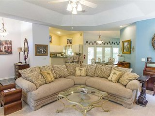Sweet Symphony, 3 Bedrooms, Minutes to Beach, Sleeps 6 - House