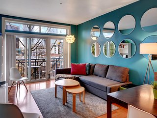 Belltown Court MoPOP Suite