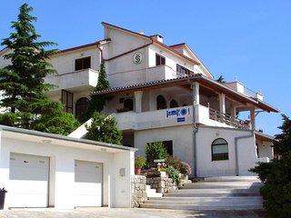 Two bedroom apartment Klenovica (Novi Vinodolski) (A-5548-e)