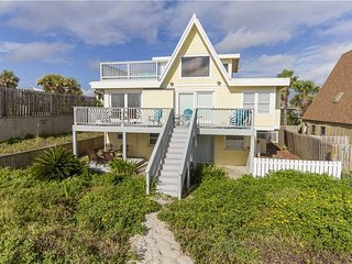 Cottage By The Sea, 4 Bedrooms, Ocean Front, Pet Friendly, Sleeps 10 - House