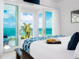 Brand New 2 Bedroom Luxury Beachfront Villa 'Sandcastle' on Grace Bay Beach