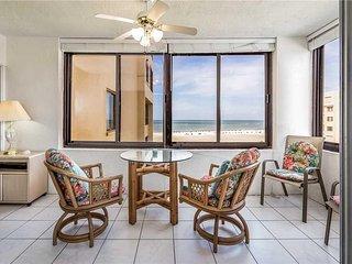 Sandarac A703, 2 Bedrooms, Heated Pool, Gulf Front, Elevator, Sleeps 6 - Condomi