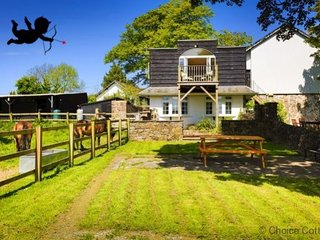 BISHOPS TAWTON THE COACH HOUSE COTTAGE | 1 Bedroom