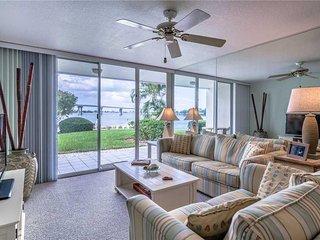Bahia Vista 13-150, Ground Floor, 2 Bedroom, Heated Pool, Spa, Sleeps 4 - Condo/