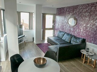 Fashion Northern Quarter Apartment by Rentalhosted