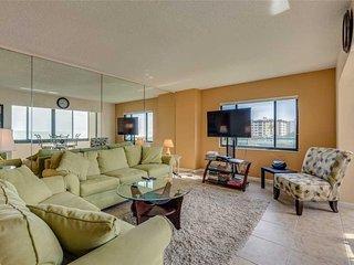 Sandarac A409, 2 Bedrooms, Elevator, Gulf Front, Heated Pool, Sleeps 4 - Condomi