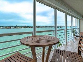 Bahia Vista 15-567, 2 Bedroom, Heated Pool, Spa, Near Beach, WiFi, Sleeps 6 - Co