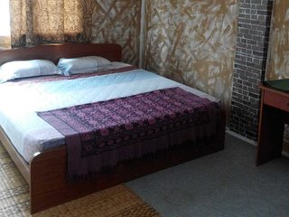 Ajak Homestay/Shortstay Bukit Beruang - Room 4 ROOMS (8-10 Pax) -Ajak Homestay-
