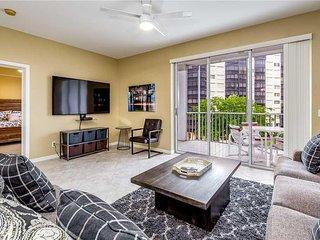Casa Marina II 353, 2 Bedroom, Canal Front, Elevator, Heated Pool, Sleeps 4 - Co