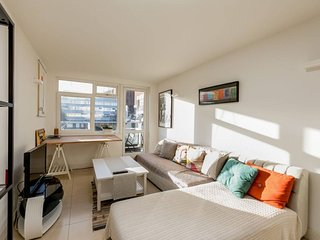 Lovely apartment with balcony in Shoreditch!