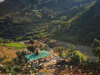 Maun Van yoga village