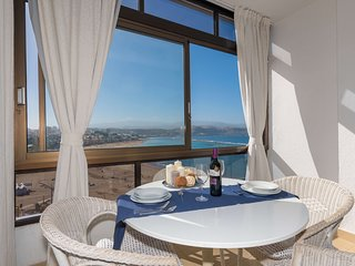Frontline apartment in Las Canteras