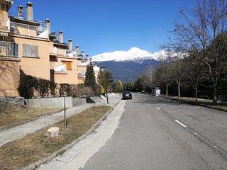 Apartamento a 15 min Astun-Candanchu-jaca.zona muy tranquila rodeado de montañas