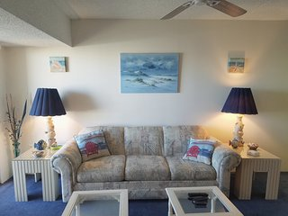 Updated Ocean Block - 1 Bedroom - Sleeps 5-