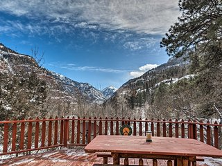 Home w/ San Juan Mountain Views-2 miles to Ouray!