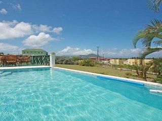 Calamansi, private pool, 3 bedrooms/bathrooms, views, WiFi, AC, great reviews!