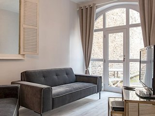 Beautiful apt in Beaune & Wifi